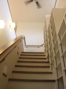 階段+シーリングファン