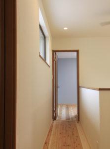2F床・廊下も杉材を使用
